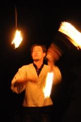 Feuershow, Fackeln jonglieren