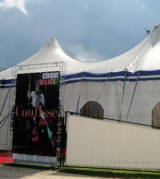 Zirkuszelt, Plakat zu Show Coulisse