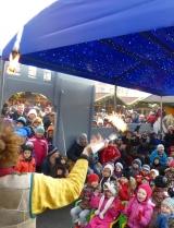 Frowin am Marktplatz in Innsbruck, Lachende Kinder